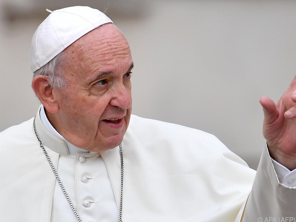 Papst Franziskus warnt vor \