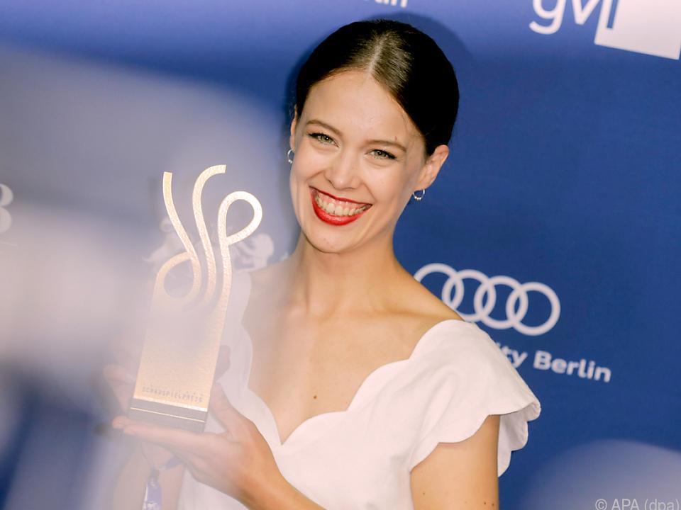 Paula Beer erhielt den Preis als beste Schauspielerin