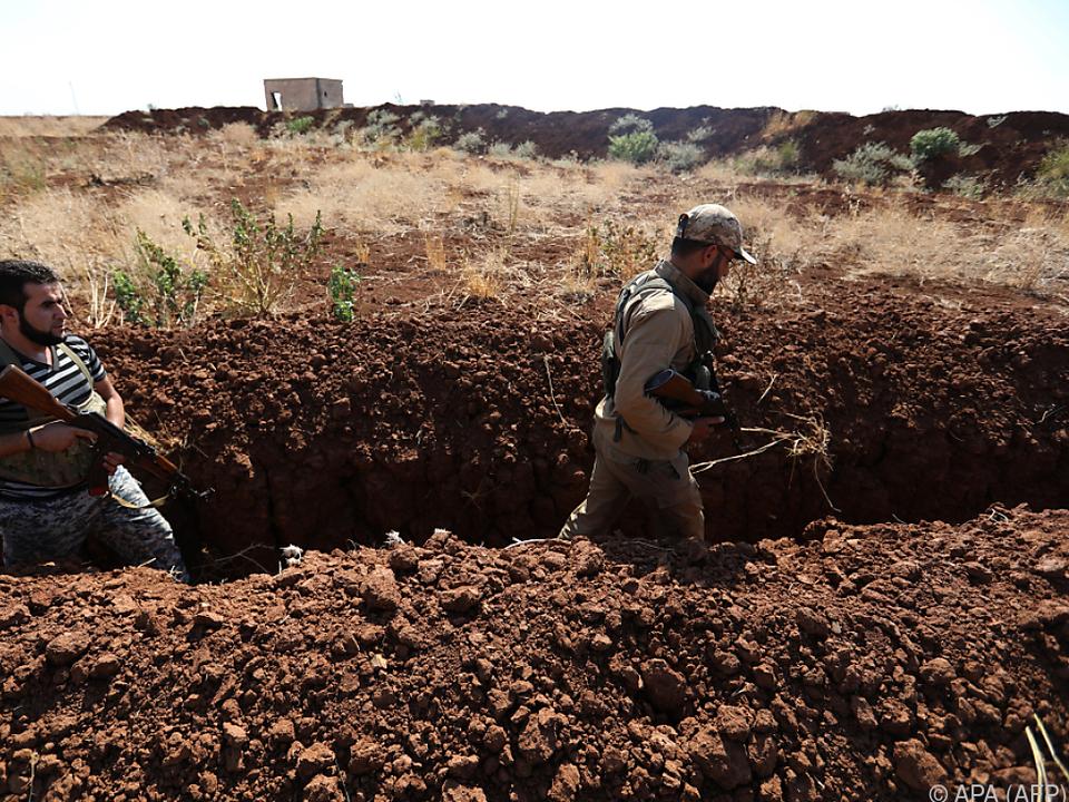 Rebellen bereiten sich auf Angriff der Regierungstruppen vor