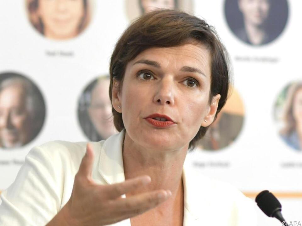 Rendi-Wagner blieb als einzige der ernsthaft genannten Kandidaten über