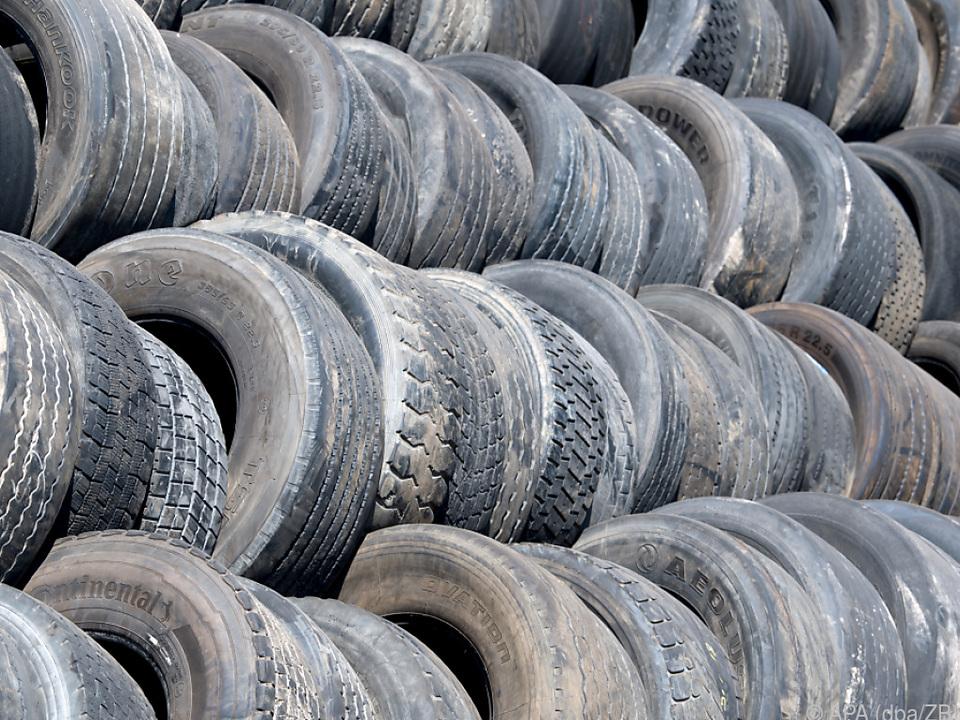 Rund ein Drittel der Mikroplastik-Emissionen stammen von Altreifen
