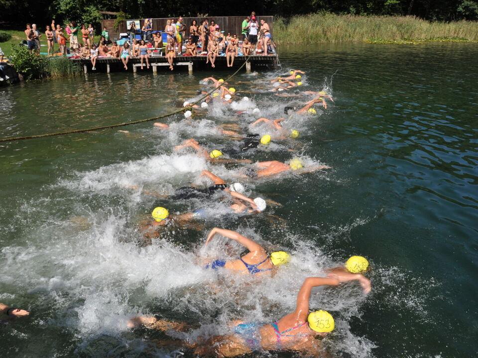 Schwimmstart Staffel u Frauen