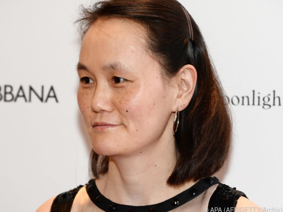 Soon-Yi Previn kritisiert auch ihre Adoptivmutter Mia Farrow