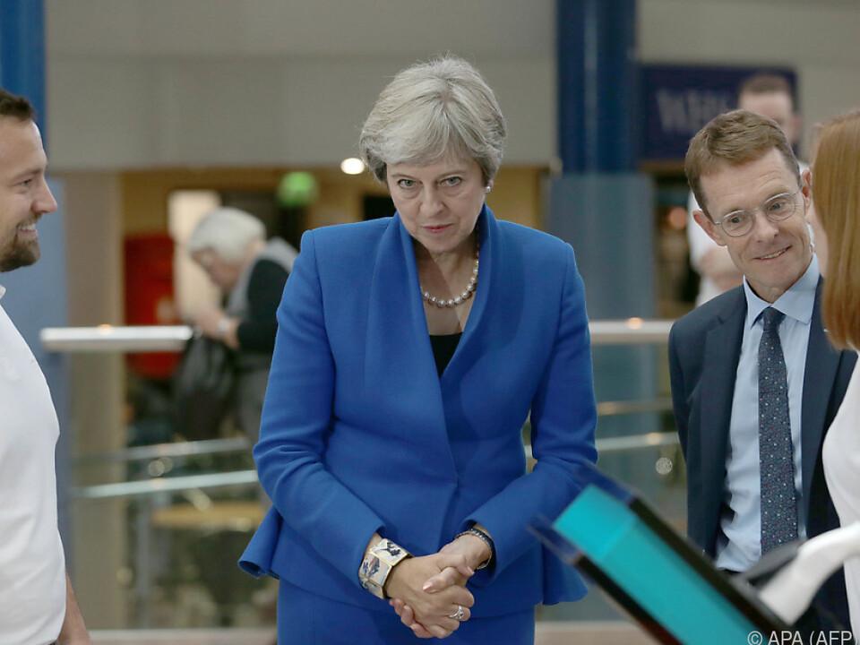 Wird am Stuhl der Premierministerin gesägt?