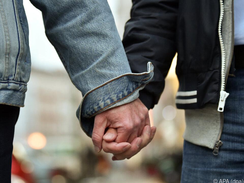 Ab 1. Jänner 2019 steht die Ehe allen offen schwul homo