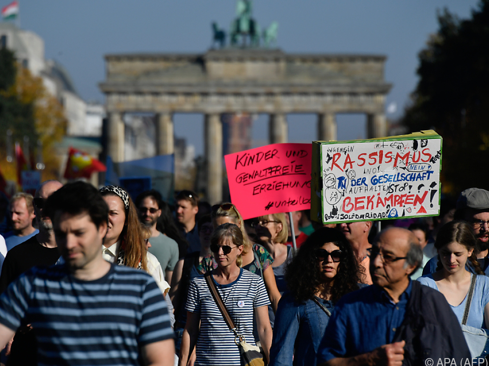 Anti-Rassismus-Demonstration in Berlin übertrifft alle Erwartungen