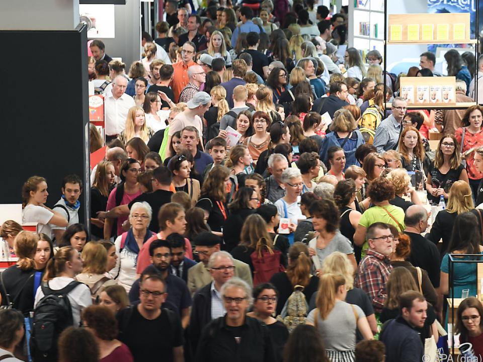 Besuchermassen strömten am Wochenende durch die Messehallen