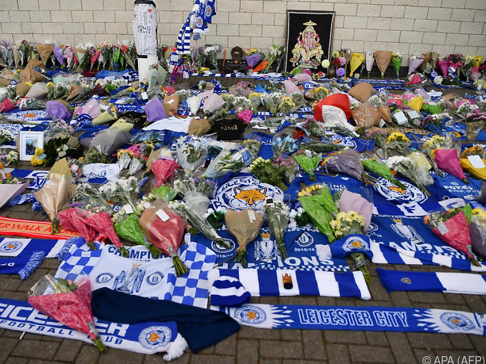 Blumenmeer für die Opfer des Unglücks