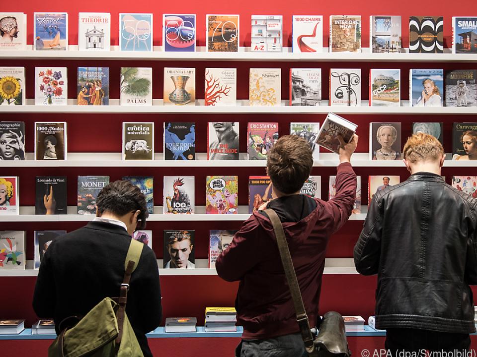 Buchmesse Frankfurt lockt Besucher in Scharen an