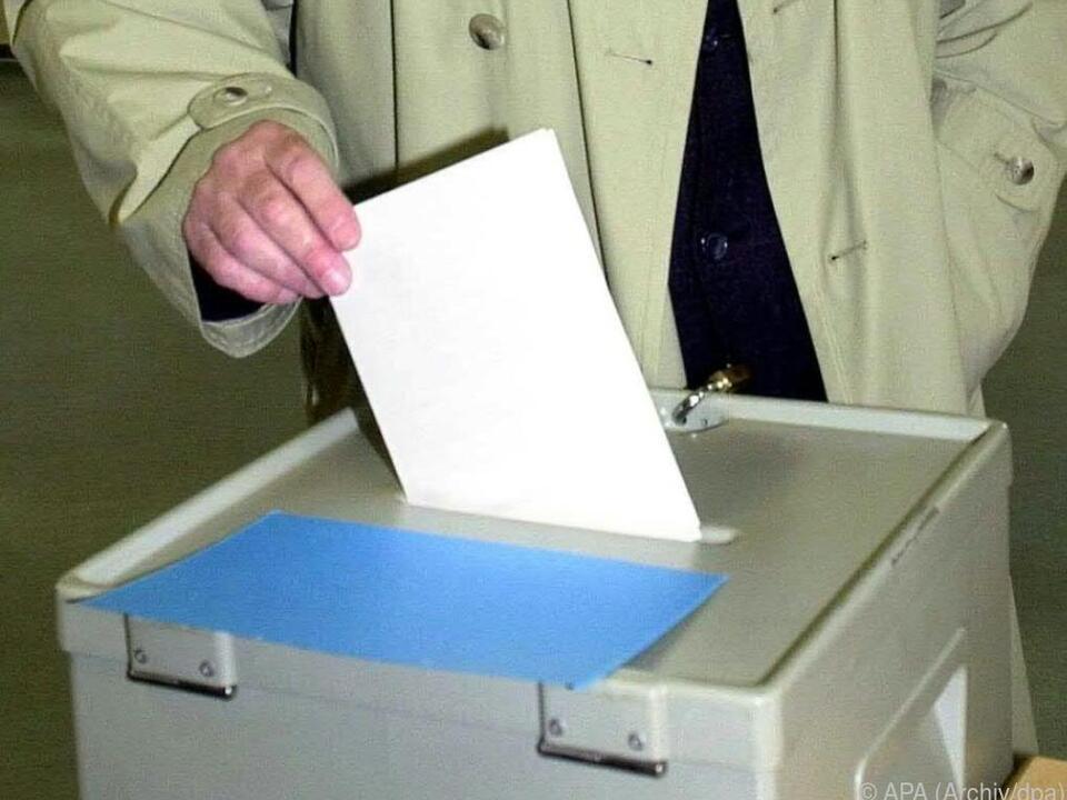 CDU im Sinkflug, SPD und Grüne teilen sich Platz zwei