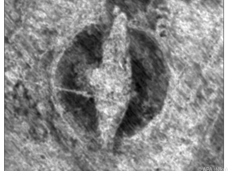 Dank Bodenradar wurde das Schiff in einem Grabhügel entdeckt