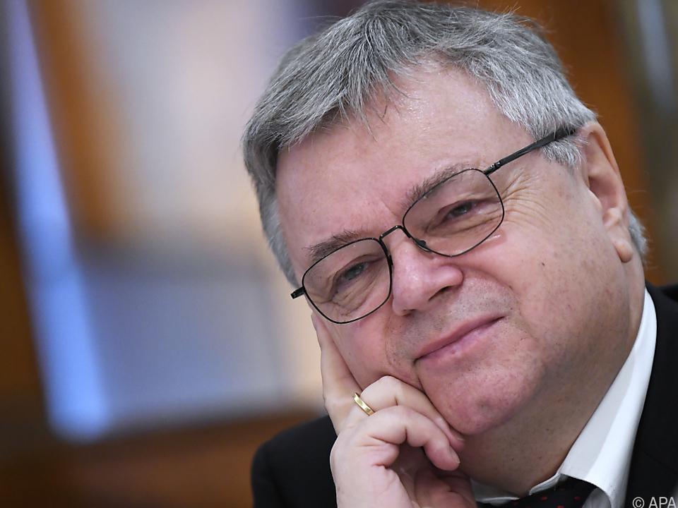 Der neue künstlerische Leiter Bernd Loebe