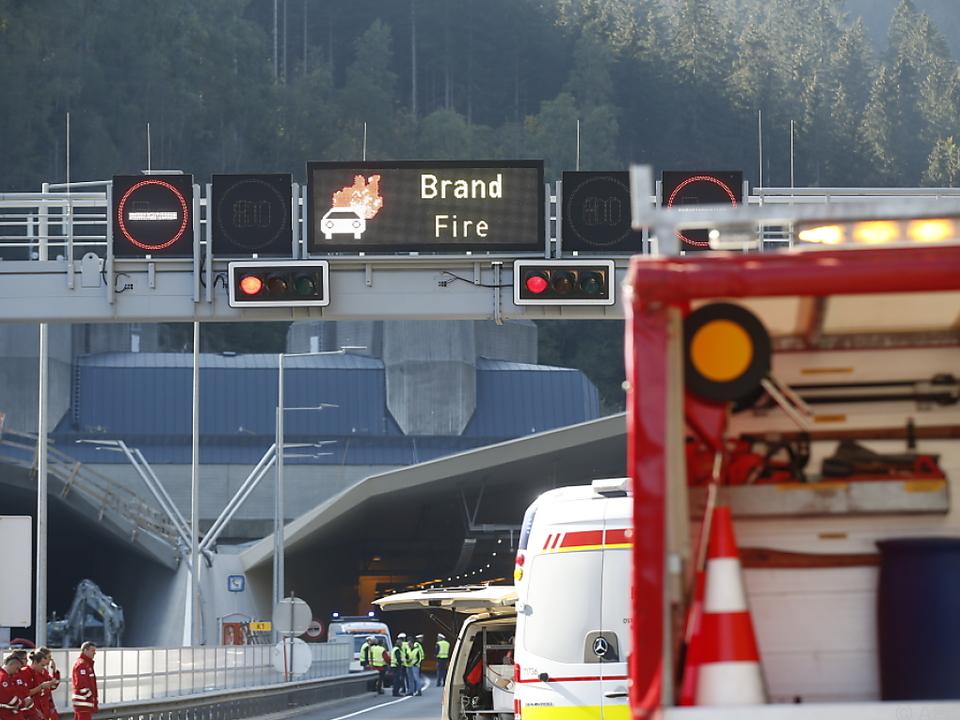 Der Verkehr geriet durch den Brand ins Stocken