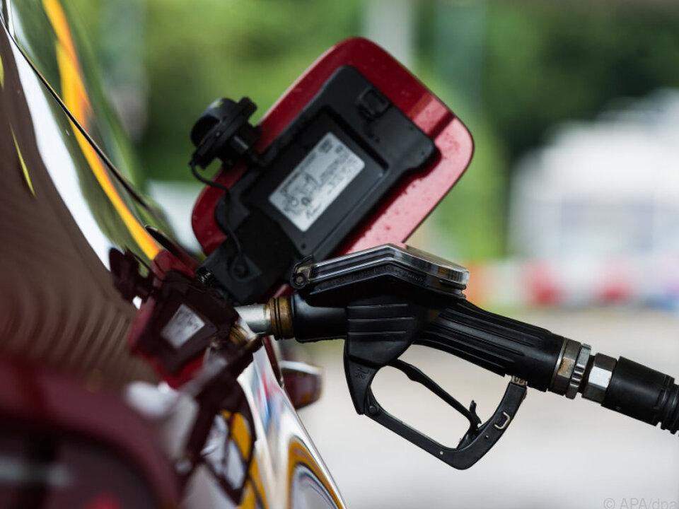 Die EU will Verwirrungen auf Tankstellen im EU-Ausland vorbeugen