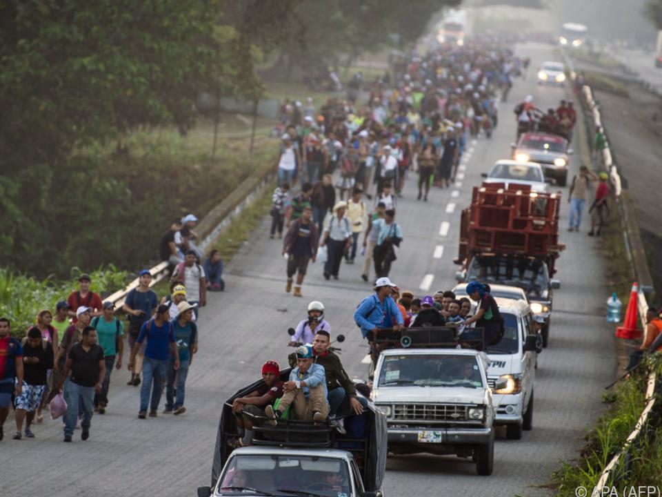 Die Migranten setzten ihren Weg in Richtung US-Grenze fort