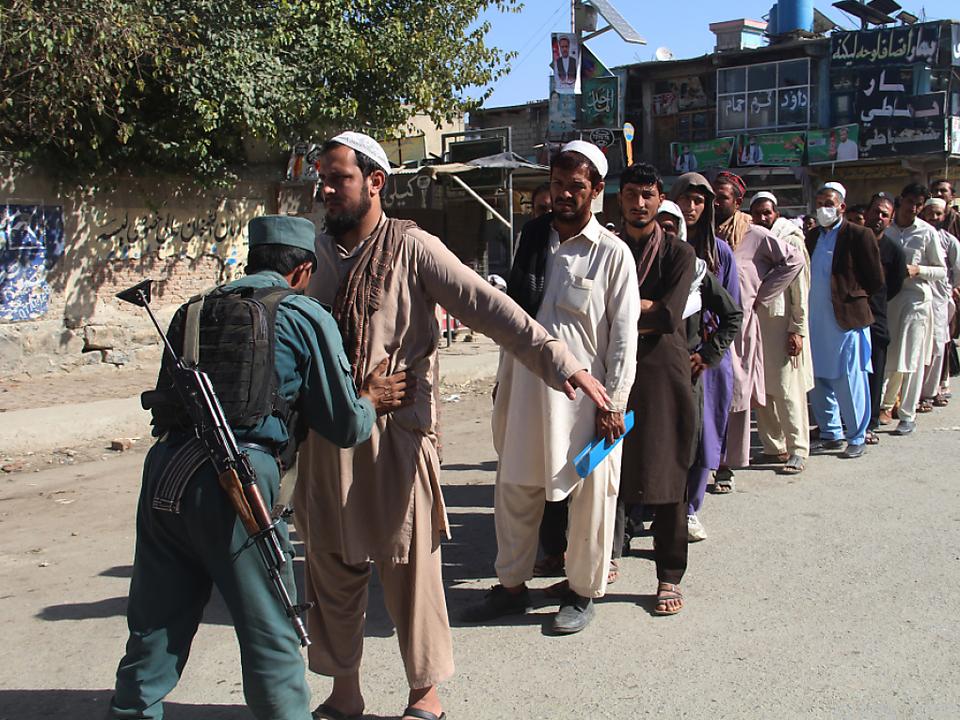 Die Wahlen werden von erheblichen Sicherheitsvorkehrungen begleitet