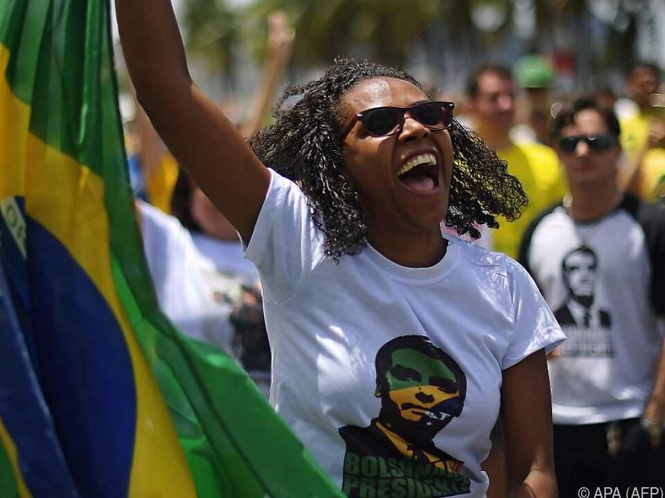 Eine Anhängerin des Rechtspopulisten Jair Bolsonaro