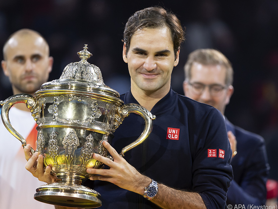 Federer mit seiner 99. Trophäe