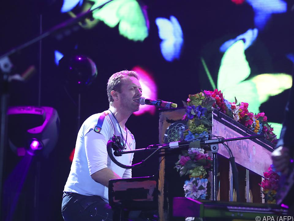 Johnson ist mit Coldplay-Sänger Chris Martin zusammen