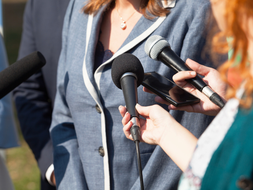 Frau Politik Medien Interview