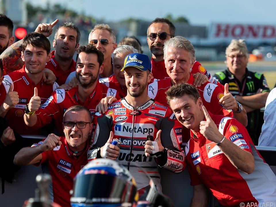 Freude bei Dovizioso und seinem Team