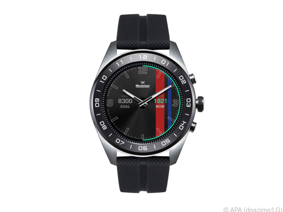 Die LG Watch W7 Thinq hat ganz klassisch Zeiger