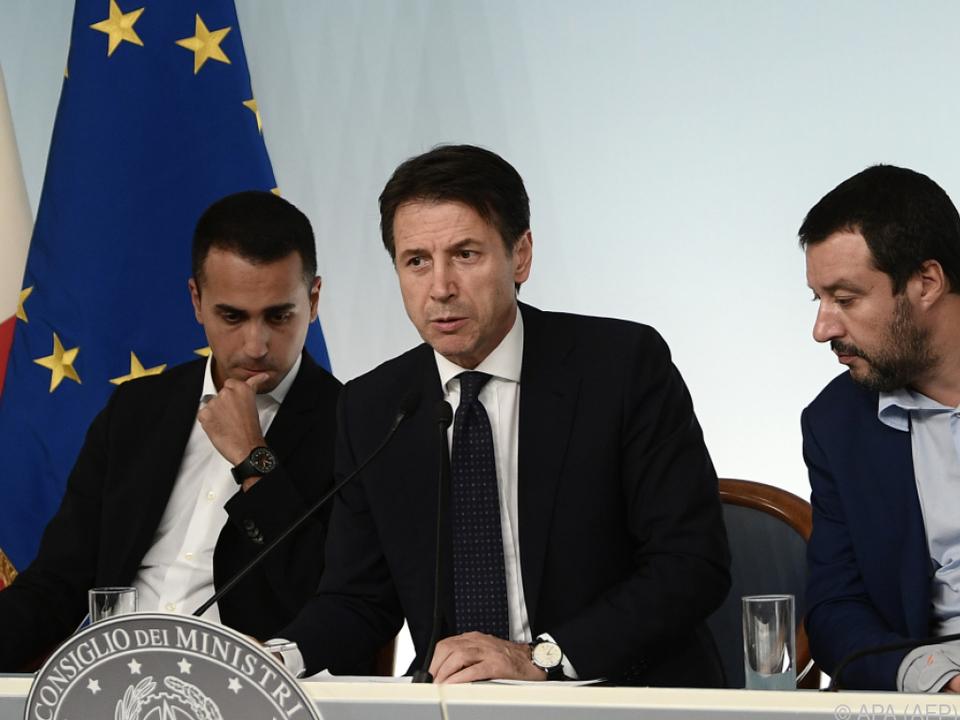 Italiens Regierungsspitzen Di Maio, Conte und Salvini