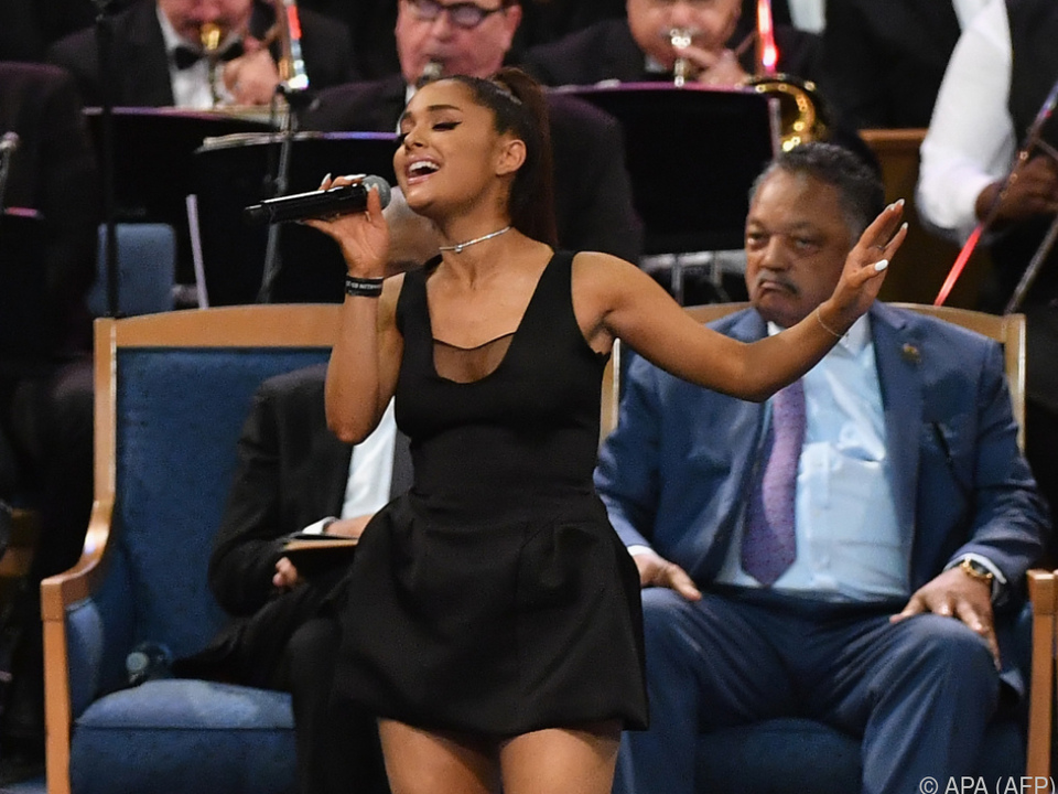 Kriselt es in Ariana Grandes Beziehung?