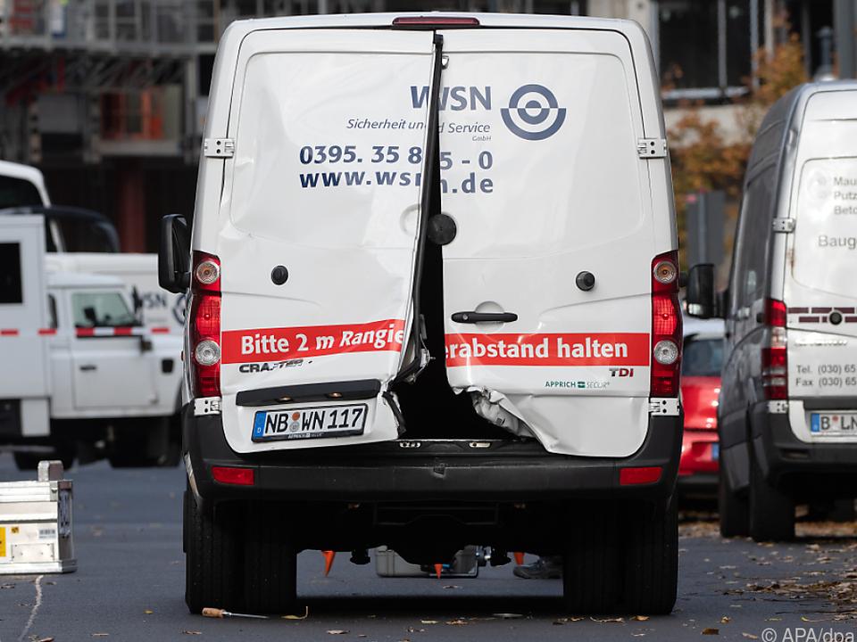 Mehrere Täter hatten einen Geldtransporter überfallen