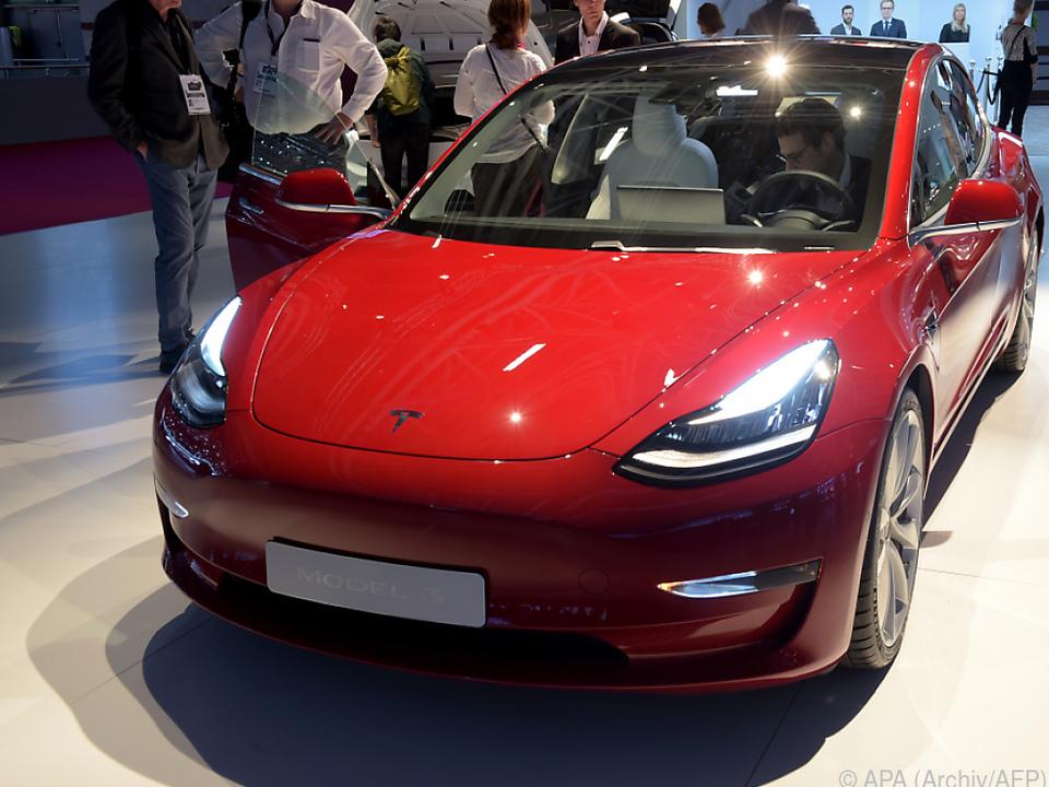 Model 3 findet reißenden Absatz