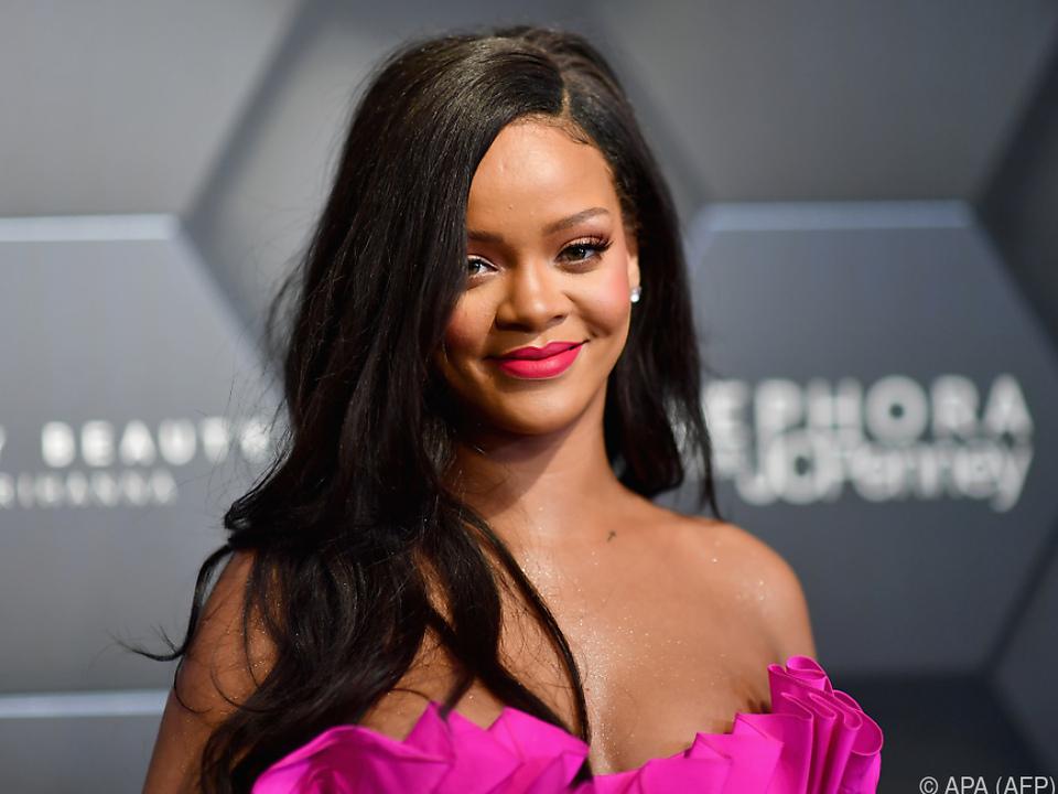 Rihanna zeigt sich solidarisch mit Colin Kaepernick