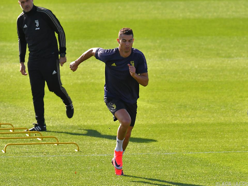 Ronaldo läuft sich für Manchester warm
