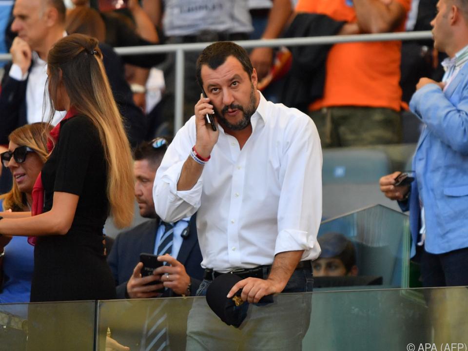 Salvini versucht, Märkte zu beruhigen
