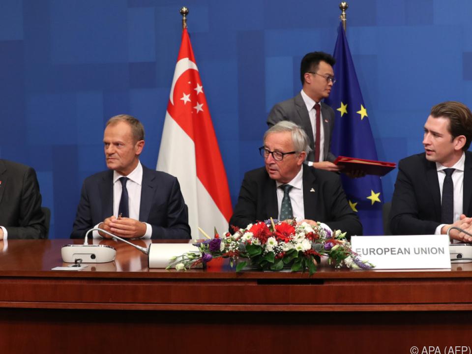 Singapurs Premier Lee mit Tusk, Juncker und Kurz