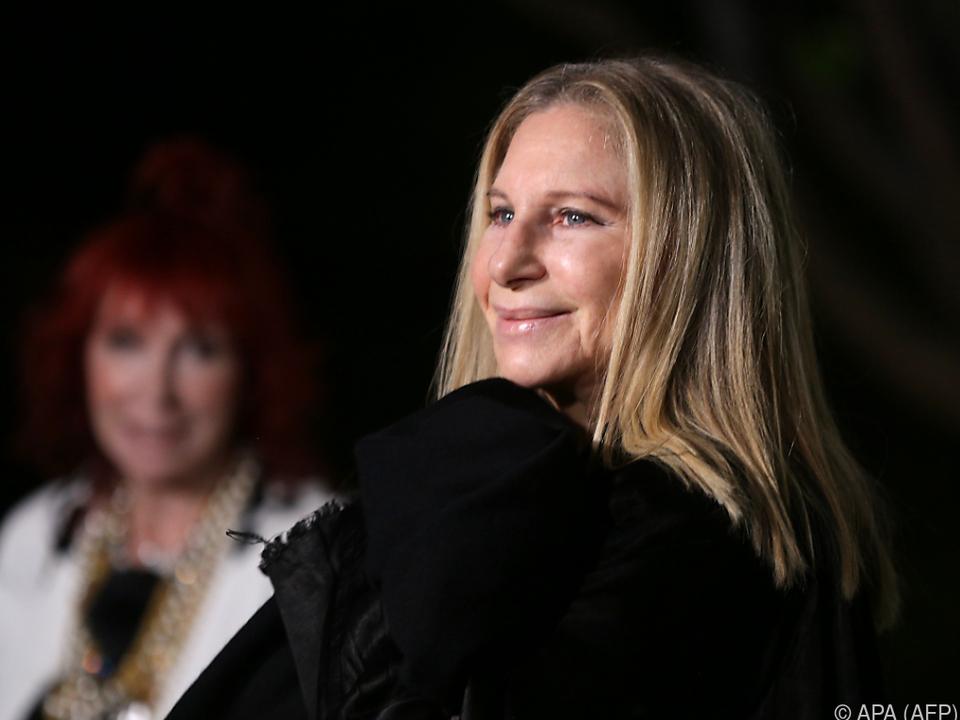 Streisand fuhr mit Moderator James Corden im Auto durch die Gegend
