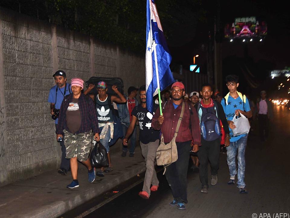 Tausende Honduraner haben sich zu Fuß auf den Weg in die USA gemacht