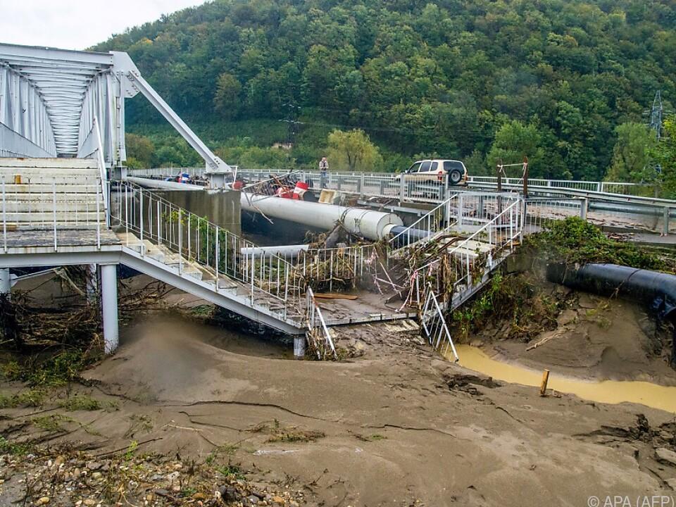 Überschwemmungen forderten mindestens sechs Opfer