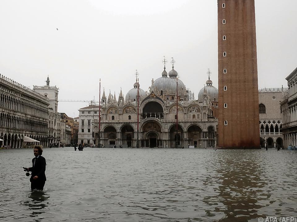 Venedig steht nach heftigen Regengüssen unter Wasser