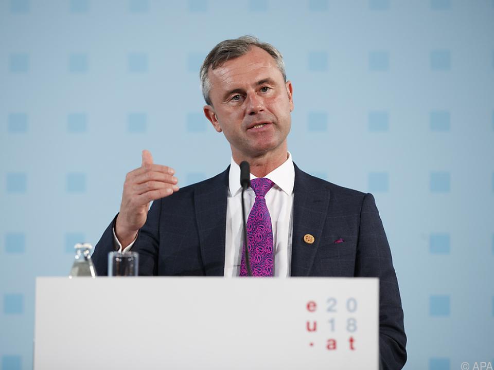 Verkehrsminister Hofer nannte 2021 als mögliches Datum