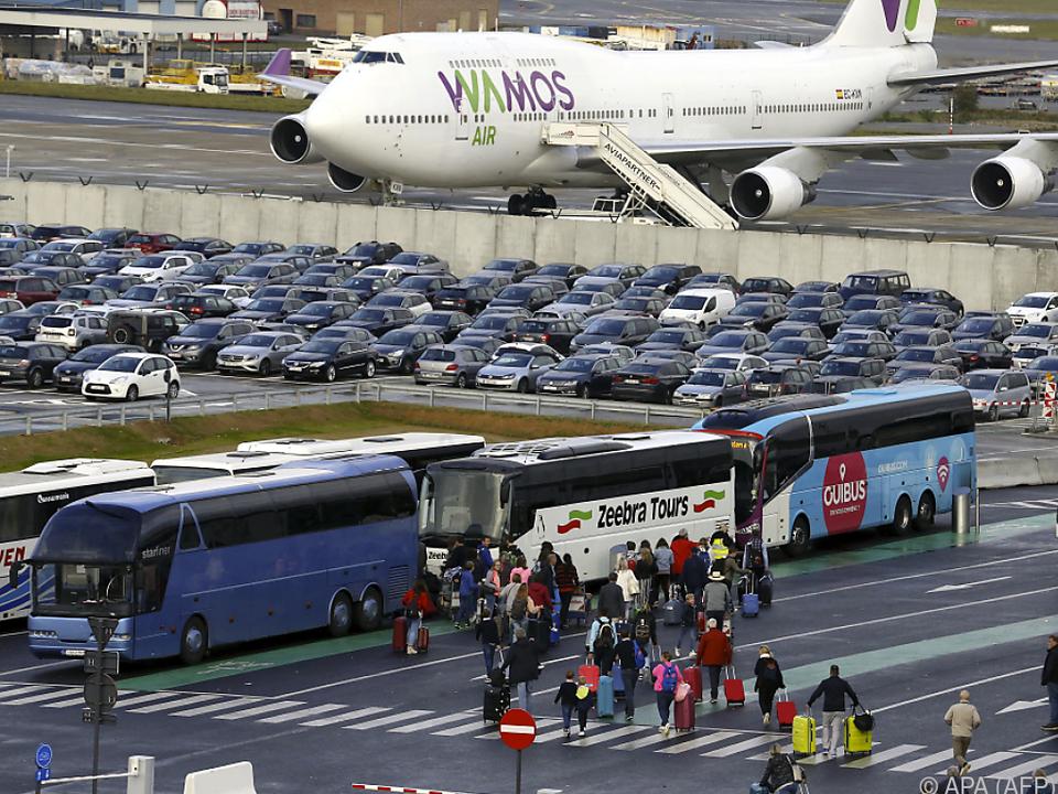 Viele Passagiere fielen um ihre Flüge um