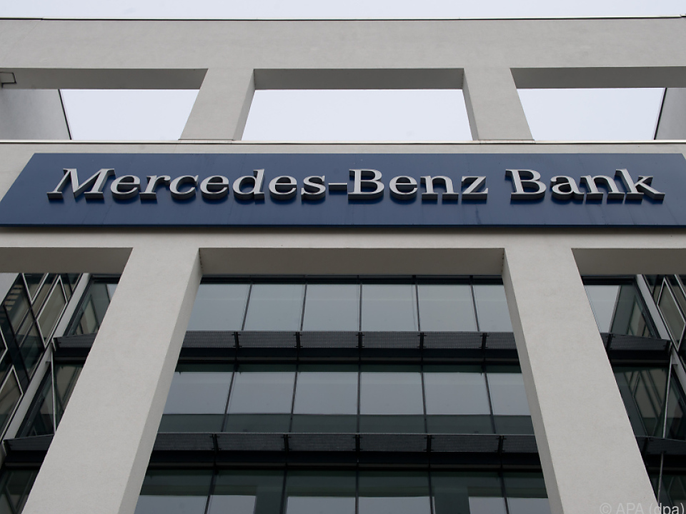 Autokreditverträge der Mercedes-Benz-Bank werden untersucht