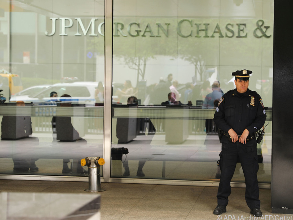 Beteiligung an JPMorgan Chase bei 4 Mrd. Dollar