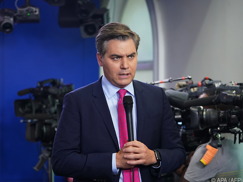 CNN verklagt das weiße Haus wegen Acosta