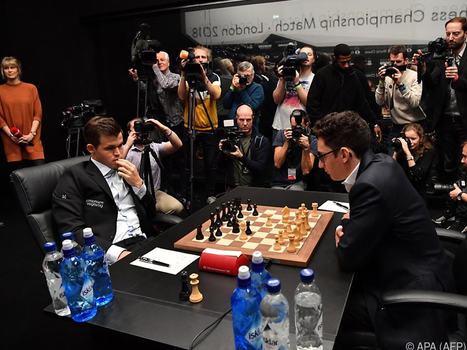 Das Duell zwischen Carlsen und Caruana geht weiter