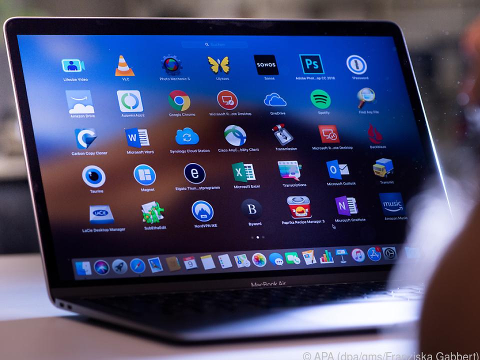 Das Display ist nicht so hell wie beim MacBook Pro, aber trotzdem super