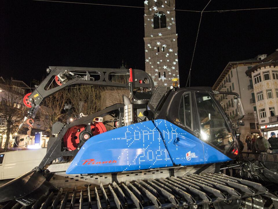 "Das Prinoth Pistenfahrzeug im ""Cortina 2021"" Look"