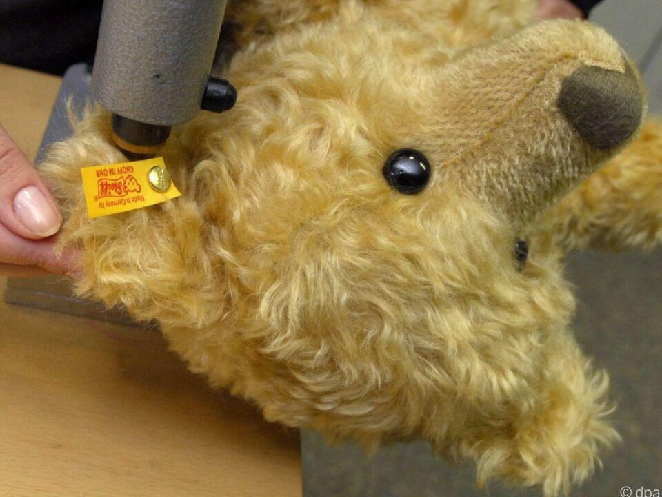 Das Unternehmen ist bekannt für seine Stofftiere mit dem Knopf im Ohr