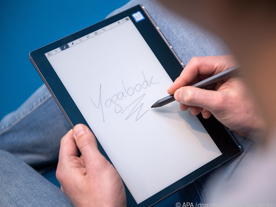 Auf dem E-Ink-Display lassen sich handschriftliche Notizen machen