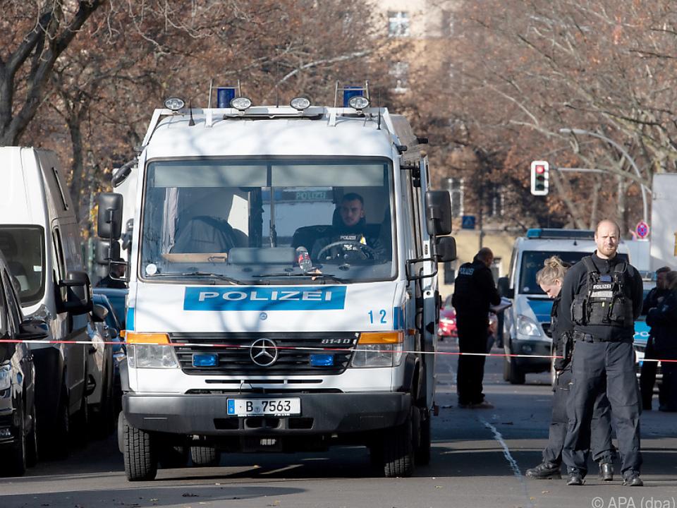 Der 30-Jährige stellte sich Stunden später der Polizei