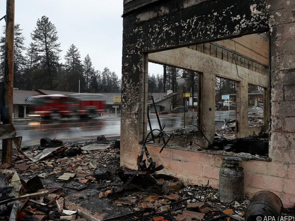 Die Flammen sind zu 85 Prozent eingedämmt